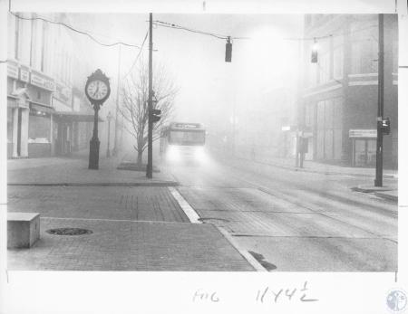 Image: di13287 - fog on Madison Avenue